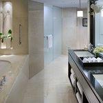 Oriental Suite Bathroom