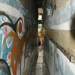 Entryway fro sidewalk