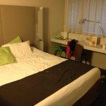 Mooie nieuwe kamer met airco (centraal geregeld)
