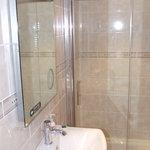room 3 tower shower