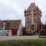 Innenhof mit Schottenturm