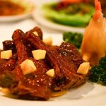 lamb steak with onion in mongolian sauce