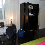 Wardrobe/Desk area