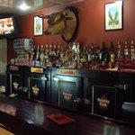 La decoración del bar muy buena