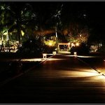 Night of Vabbinfaru Banyan Tree