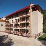 the beautiful exterior of the Best Western Paradise hotel in Dilijan