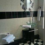 Paris Luxury Room Bathroom