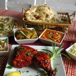 Chicken Tandoori, two curry set, starter, Nan or Rice