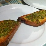 bruschetta al pistacchio