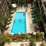 superbe vue sur la piscine trés agréable