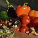 Salade provençale : légumes du soleil grillés, tomates, mozzarella, croûtons aïlés