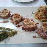 Solomillo de cerdo con cebolla caramelizada y cabrales. Explosión de sabores intensos, pruébalo