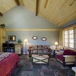 New Deluxe Bedroom Suite