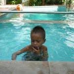 Charlie House, chidren's pool