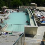 piscina grande esterna.