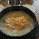 le Samgyetang dans sa marmite