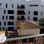 Widok z balkoniku (w słońcu +40)