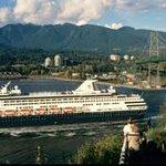 Watch Alaskan Cruisesahips passing by