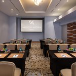 Meeting rooms comfortably equipped with the latest technology for all your events.