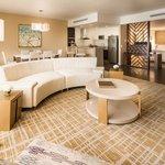 1 King 1 Bedroom Suite Ocean View.