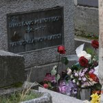 may 2013 morrison grave pere-lachaise paris