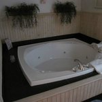Hot Tub in Wickshire Cabin