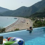 Infinity Pool -you are floating over the beach