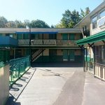 front view of normans motel