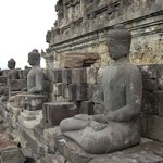 esculturas en el templo