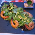 Starter with shrimps and mango