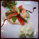 Avocado and prawn tartlette
