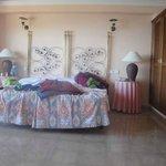 habitación amplia y fresca
