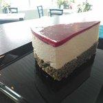 Mohn-Topfen-Himbeer-Torte