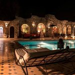 LE POOL HOUSE DE NUIT