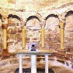l'ancienne abbaye de San Juan de la Pena