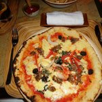 Woodfired pizza calda
