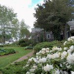 Allen Harbor Breeze Inn and Gardens