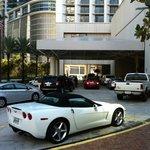 Parkplätze vor dem Hotel
