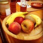 Pequeno almoço com produtos caseiros e regionais