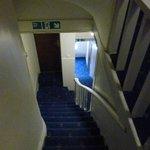escaleras estrechas.