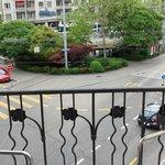 Ausblick vom Balkon auf den Goldbrunnenplatz