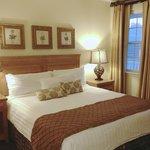 3BedDeluxe Guest Room 1 (King)