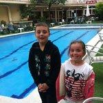 side pool (Frigola)