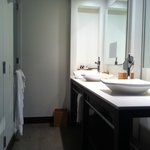 Our modern bathroom area - Terzo room