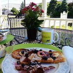 We decided to have breakfast on the porch out front