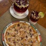 Sangría e Pizza... perfecto!!