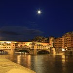 Ponte Vechio is only a few minutes walk from Case del Garbo