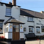 Summer at the White Horse Inn, 52 Banbury Road, Ettington, CV37 7SU