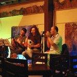 Musica en vivo de Jueves a Sabado