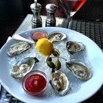 Fresh,fresh, fresh oysters and a yummy Manhattan
